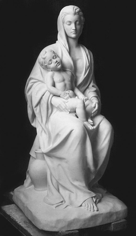 Statues in white marble - Statuario Carrara, woman with child